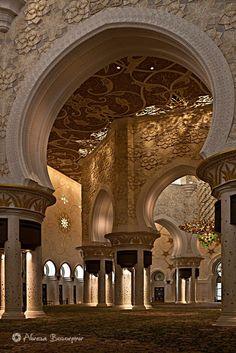 Sheikh Zayed Grand Mosque - Abu Dhabi, the capital city of the United Arab Emirates