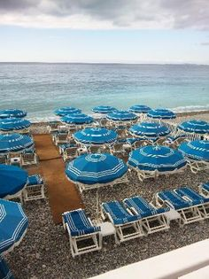 Nice France Beach Babyニースの海岸①