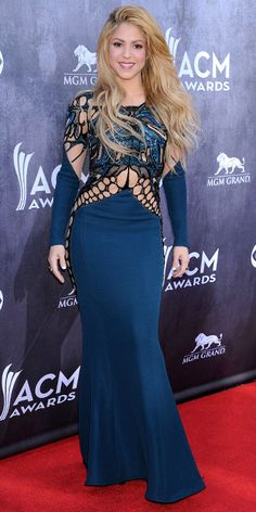 The Annual Academy of Country Music Awards aired last night, and although we couldn't get enough of all the performances and epic wins (Miranda. Designer Evening Gowns, Designer Dresses, Shakira, Zuhair Murad Dresses, Celebrity Style Inspiration, Nice Dresses, Celebs, Glamorous Dresses, Red Carpets