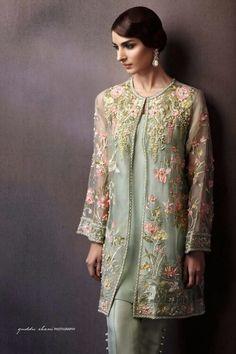 ♡ Beautiful Pakistani Dresses, Pakistani Bridal Dresses, Pakistani Dress Design, Pakistani Outfits, Indian Outfits, Pakistani Fashion Party Wear, Indian Fashion Dresses, Fashion Outfits, Women's Fashion
