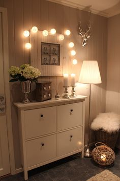 Check out this gorgeous hallway solution, starring our very own HEMNES shoe cabi. Hallway Decorating, Entryway Decor, Bedroom Decor, Hallway Inspiration, Home And Deco, My New Room, Cozy House, Sweet Home, New Homes