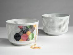 Ionna vautrin - Like a canvas grid, the Panier percé, which has the form of a porcelain bowl, gives room and possibilities for embroideries. Embroidery Kits, Cross Stitch Embroidery, Cross Stitch Patterns, Design Industrial, Paperclay, Plastic Canvas, Cross Stitching, Ceramic Art, Diy And Crafts