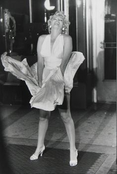 """Garry Winogrand, Marilyn Monroe on the set of """"The Seven Year Itch"""" the famous picture! Lady Godiva, Famous Photographers, Street Photographers, Fotos Marilyn Monroe, Garry Winogrand, Straight Photography, Bw Photography, Cinema Tv, Gina Lollobrigida"""
