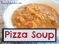 Pizza Soup: One of the best inventions in my kitchen so far this winter. Not including the Super Creamy Peanut Butter, of course. I can't get enough of this soup. Plus, it's super easy to make. Real Food Recipes, Yummy Food, Healthy Recipes, Free Recipes, Pizza Soup, Cheese Burger Soup Recipes, Creamy Peanut Butter, How To Cook Pasta, Soup And Salad