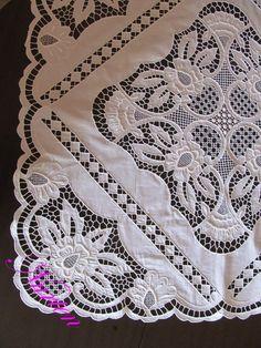 nurten kuşçu cutwork embroidery tablecloth - embroidery - nakış - delik işi nakış - beyaz iş nakış - detay - detail Cutwork Embroidery, White Embroidery, Cut Work, Needlework, Elsa, Pattern, Ukraine, Galleries, Embroidery