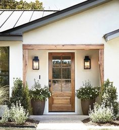 Beautiful Farmhouse Front Door Entrance Decor And Design Ideas 07 Front Door Entrance, Wood Front Doors, Entrance Decor, The Doors, House Entrance, Entrance Ideas, Front Entrances, Entrance Design, Front Door Porch
