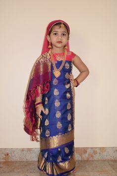 Baby Fancy Dress, Girls Fancy Dresses, Fancy Dress For Kids, Kids Saree, Drape Sarees, Saree Wearing, Saree Styles, Saree Blouse Designs, Toddler Dress