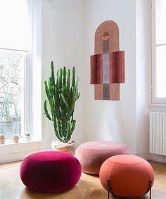 Pouf Design, Chair Design, Furniture Design, Pouf Cuir, Milan Design Week 2017, Booth Seating, Relaxation Room, Diy Sofa, Piece A Vivre