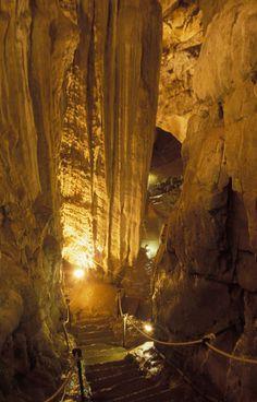 Cuevas de las Güixas. Villanúa Turismo: Pirineo, El Juncaral, cuevas, rutas, senderismo, bicicleta, Camino de Santiago, dólmenes