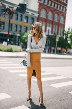 Whether your office environment is casual, creative or sophisticated, all these ideas are inspirational. Start adding these fall work outfit ideas for women Fall Outfits For Work, Summer Outfits, Classy Outfits, Trendy Outfits, Chic Outfits, Fashion 2018, Fashion Trends, Sporty Fashion, Ski Fashion