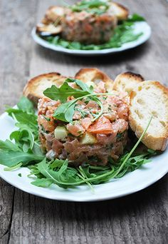 Les gourmandises d'Isa: TARTARE AUX DEUX SAUMONS ET À LA GRANNY SMITH Sushi Recipes, Asian Recipes, Healthy Recipes, Ethnic Recipes, Cheese Appetizers, Appetizer Recipes, Great Recipes, Favorite Recipes, Sushi Party