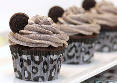 Death by Oreo Cupcakes Recipe . Easy, delicious and healthy Death by Oreo Cupcakes recipe from SparkRecipes. See our top-rated recipes for Death by Oreo Cupcake Recipes, Cupcake Cakes, Dessert Recipes, Cup Cakes, Dessert Oreo, Cupcake Flavors, Cupcake Party, Pasta Recipes, Cookie Recipes