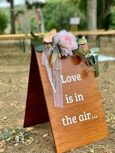 Matérialisez votre amour avec ce panneau en bois ! Deco, Gift Wrapping, Love, Gifts, Birthday, Gift Wrapping Paper, Amor, Presents, Wrapping Gifts