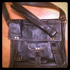 Black leather crossbody tablet/notebook bag Black leather crossbody tablet/notebook bag. In excellent condition, used once or twice. Great for iPad mini/kindle/Nook plus personal stuff. Strap is adjustable Bags Crossbody Bags