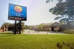 Burlington (ON) Comfort Inn Burlington Canada, North America Comfort Inn Burlington is perfectly located for both business and leisure guests in Burlington (ON). Offering a variety of facilities and services, the hotel provides all you need for a good night's sleep. Take advantage of the hotel's 24-hour front desk, facilities for disabled guests, luggage storage, Wi-Fi in public areas, car park. Guestrooms are fitted with all the amenities you need for a good night's sleep. In...