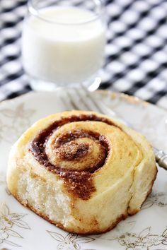 Light cinnamon rolls are fluffy and are sweet enough, there is no need to add frosting or glaze. These rolls will leave you mesmerized. Eggless Desserts, Eggless Recipes, Eggless Baking, Nutella Recipes, Healthy Dessert Recipes, Brunch Recipes, Nutella Chocolate Cake, Banana Chocolate Chip Muffins, Cool Whip