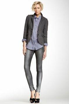 Oversize shirt, skinny jeans, jacket, heels