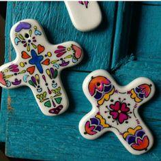 cruces de ceeamica pintadas a mano