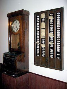 Rellotge de control horari by Museu del Ferrocarril de Catalunya, via Flickr