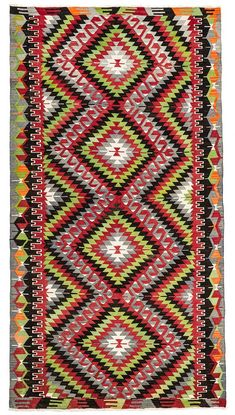 Diamond pattern long area rug with a size of feet. You can either use this rug in dining room under table or in a living room area infant of sofa or in wide hallways. Wholesale Diamonds, Turkish Kilim Rugs, Diamond Pattern, Retro Style, Retro Fashion, Bohemian Rug, Area Rugs, Vintage, Black