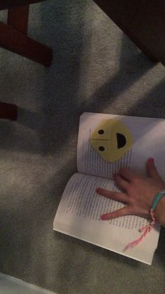 Make a Smiley Face Page Marker