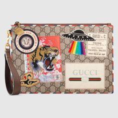 e936ee0e385 Gucci - Gucci Courrier GG Supreme pouch