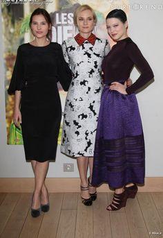 Léa Seydoux pose aux côtés de Diane Kruger et Virginie Ledoyen pour Les Adieux de la Reine.