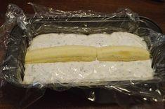 Prajitura rapida cu iaurt si banane - Rețete Papa Bun Latte, Food And Drink, Dairy, Cheese, Desserts, Baby Sweaters, Balcony, Sweets, Banana