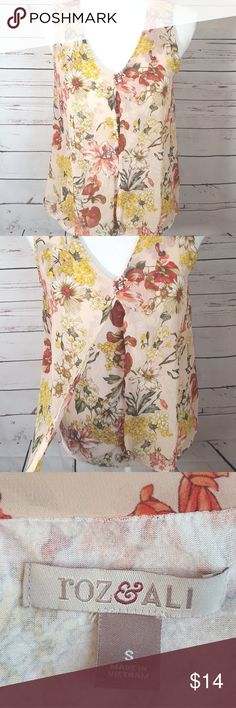 Floral top Roz&Ali Sz Small summer top sleeveless Floral top Roz&Ali Sz Small summer top sleeveless Roz&Ali Tops Blouses
