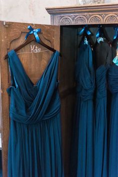 This gold glam wedding filled with sequins and navy blue wedding color palette Navy Blue And Gold Wedding, Gold Wedding Colors, Dark Blue Bridesmaid Dresses, Blue Bridesmaids, Mod Wedding, Wedding Inspiration, Sequins, Weddingideas, Glamour