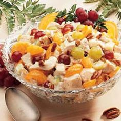 Easy Tropical Mandarin Chicken Recipe -I receive many compliments whenever I serve this salad. It's great to serve for brunch or at a shower. For those light meals during warmer weather, just add a roll, fresh fruit and iced tea for a delicious treat. Chicken Salad With Grapes, Chicken Salad Recipes, Mandarin Chicken, Cooking Recipes, Healthy Recipes, Eat Healthy, Yummy Recipes, Good Food, Yummy Food
