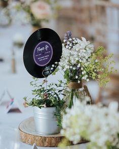 Wedding Table Themes, Birthday Table Decorations, Wedding Table Centerpieces, Wedding Table Numbers, Wedding Decorations, Wedding Ideas, Record Table, Rocker Wedding, Centrepiece Ideas