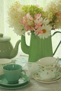 @Patricia Lee....for when you come for tea, I'll serve it in the green china.