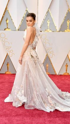 Hailee Steinfeld arrives in Ralph and Russo on the Oscars red carpet for  the Academy Awards. 2017 Lauren B Montana Best Dressed Award 94f56e87bdc