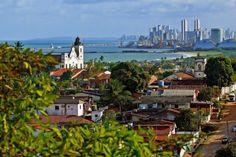 A Cidade do Recife vista do Alto da Sé, em Olinda(Cidade vizinha). Recife, Pernambuco. Brasil.