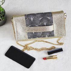 Filaura'a - Couture sur Instagram: Pour être la plus belle 🤩 Quoi de mieux qu '1 pochette cousue main qui brille et qui apporte la it-touch à votre tenue ? Sous licence…