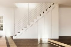 Stainless steel cable railing kits give a modern contemporary look to your stairs by combining rich oak and high quality cable. Modern Railing, Modern Stairs, Staircase Storage, Stair Storage, Interior Design Programs, Best Interior Design, House Fence Design, Interior Railings, Interior Doors