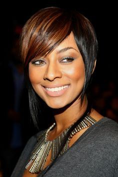 African American short hairstyles for straight hair with side bangs and highlight