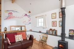 Beacon Top Bottom is a charming little cottage nestled in the slopes of St Agnes Beacon. White Interiors, Colorful Interiors, St Agnes, Interior Color Schemes, Gallery Wall, Cottage, Top, Inspiration, Home Decor