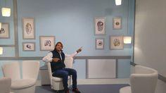 """Fama en el programa de TV de medicina y salud """"Esto es Vida"""". En esta simpática foto podemos ver a Ismael Beiro disfrutando de nuestros diseños."""