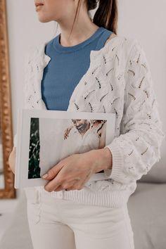 Erinnerungen schenken: 10 personalisierte Geschenkideen, die Freude machen Mocca, Ruffle Blouse, Long Sleeve, Sleeves, Tops, Women, Fashion, Blank Book, Personalised Jewellery
