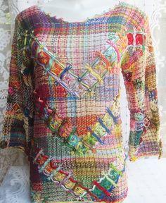 Linda blusa bordada na técnica filé. Toda colorida.Veste do tamanho 38 ao 42 Poderá ser feita sob encomenda em qualquer tamanho e cores. Possui 37 cm de manga, e 42 cm de cava R$ 130,00