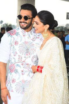 Deepika Padukone with Ranveer Singh 👰🤵❤😍😘 Bollywood Couples, Bollywood Stars, Bollywood Celebrities, Bollywood Fashion, Deepika Ranveer, Ranveer Singh, Deepika Padukone, Wedding Dress Men, Wedding Suits