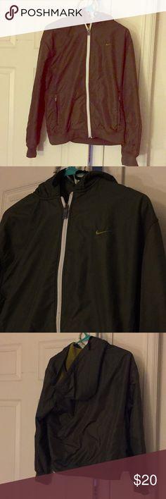 Nike hoodie Super warm and comfy, green Nike size large Nike Jackets & Coats