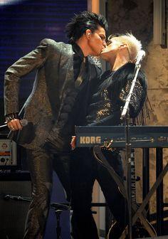 Adam Lambert Photo - 2009 American Music Awards - Show