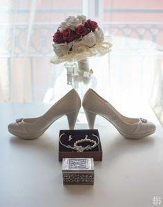 Detalles de la boda, Zapatos de boda, anillos de boda, reportaje de boda, vestido de novia, bodas divertidas, bodas originales, fotografos de boda en Murcia, bodas, matrimonio, preparativos de la boda, preparativos de la novia, fotografos de boda en Murcia, fotos de la novia, bodas, wedding  #reportajedeboda #bodasdivertidas #bodasoriginales #fotografosdeboda #bodas #matrimonio #preparativosboda #preparativosnovios #preparativosnovia #preboda #boda