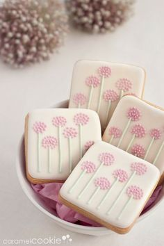 PomPom Flower Cookies~ By Caramel Cookies pink, square (Square Cake Decorating) Summer Cookies, Fancy Cookies, Iced Cookies, Biscuit Cookies, Cute Cookies, Easter Cookies, Cupcake Cookies, Square Cookies, Cookie Favors