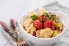 Schnelles und einfaches Rezept für Blumenkohl Salat aromatisch geröstet. Passend zum BBQ, Grillen, als Beilage zu Fleisch und Fisch oder als kleine Mahlzeit im Büro.