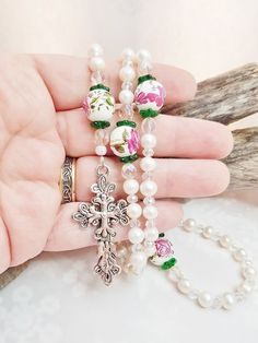 Handmade Pearl Rosary ~ Feminine Victorian Style Catholic Prayer Beads made of Fresh Water Pearls & Swarovski Crystals ~ Hand Painted Roses Flower Girl Gifts, Bead Caps, How To Make Beads, Victorian Fashion, Painted Roses, Hand Painted, Handcrafted Jewelry, Swarovski Crystals, Feminine