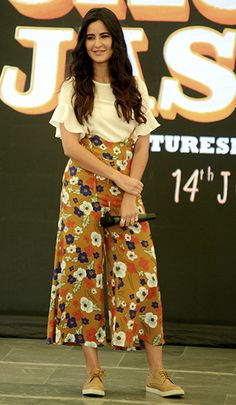Katrina Kaif in Lulu & Sky separates Stylish Dresses, Stylish Outfits, Casual Dresses, Fashion Outfits, Casual College Outfits, Western Dresses, Western Outfits, Indian Designer Outfits, Indian Outfits
